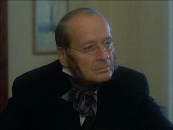 Notář Julian Renard v seriálu Dobrodružství kriminalistiky