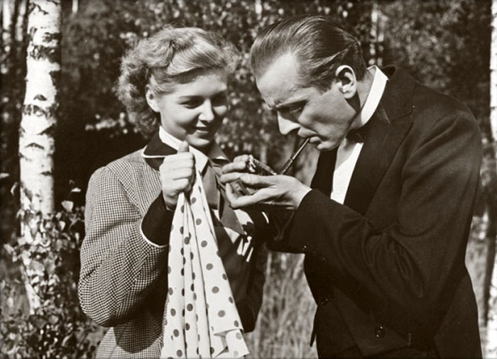Ve svém milovaném fraku – s Dagmar Frýbortovou v komedii Hostinec U kamenného stolu