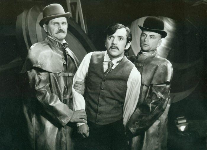 Arminius, ing. Zodiak/Moltke (Jaromír Hanzlík) a Sigismor (Bořivoj Navrátil) v roce 1971 ve verneovce režiséra Ludvíka Ráži Tajemství Ocelového města