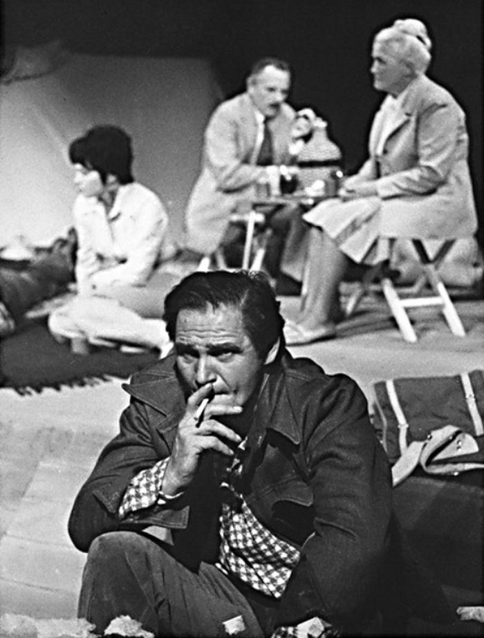 V pražském Realistickém divadle v roce 1974, v dramatu Čingize Ajtmatova Výstup na Fudžijamu