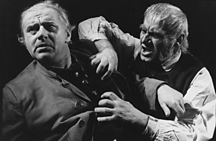 S Gustavem Hilmarem v roce 1952 v dramatu Aloise Jiráska Otec