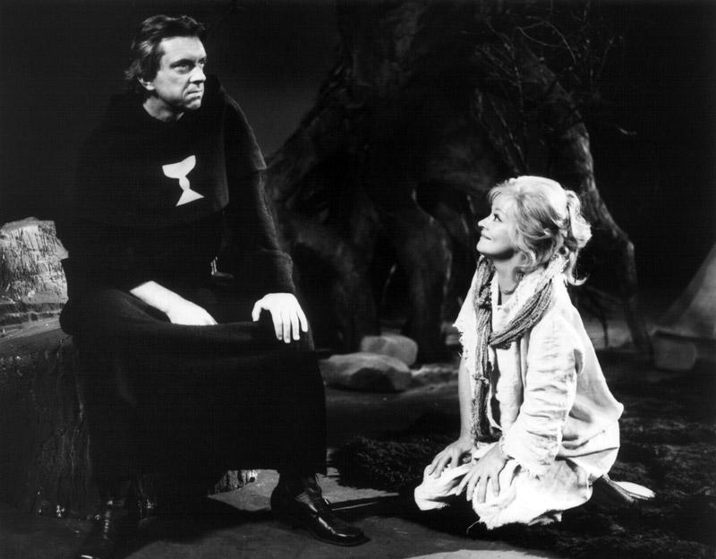 S Jaromírem Hanzlíkem v historickém dramatu režiséra Pavla Háši Zdaleka ne tak ošklivá, jak se původně zdálo – 1987