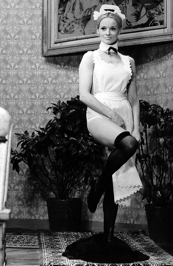 Jana Brejchová v roce 1969 jako doktorka historie GwenWilliamsová v komedii režiséra Oldřicha Lipského Zabil jsem Einsteina, pánové…