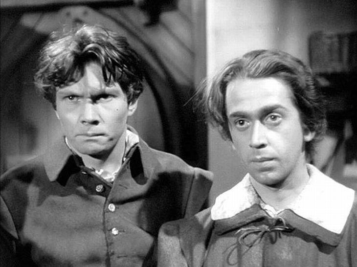 V roce 1946 s Jaroslavem Marešem v historické komedii Otakara Vávry Nezbedný bakalář