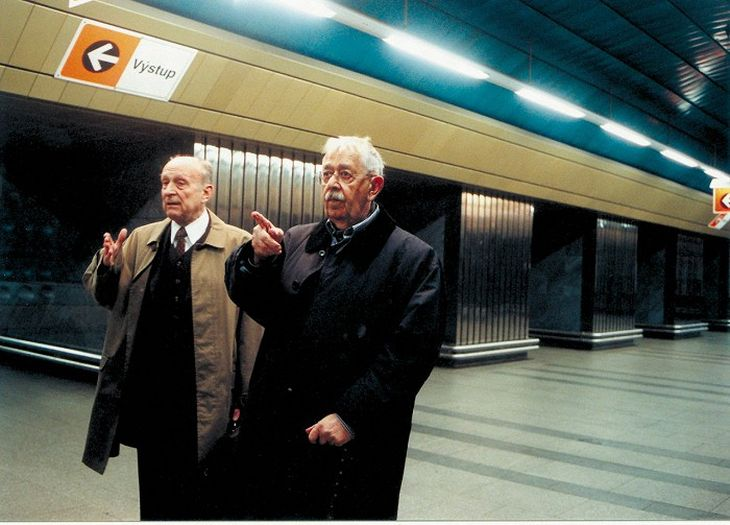 Se Stanislavem Zindulkou jako František Hána v roce 2001 ve svém posledním televizním filmu Babí léto