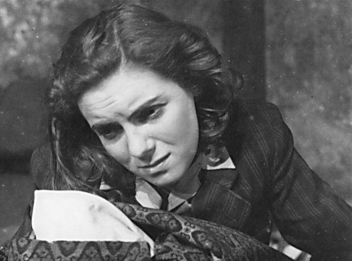 V zemském divadle Brno v roce 1946 v představení Svět bez nenávisti