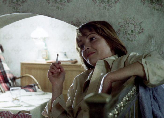 Dcera správce ubytovny Květa v detektivce Sázka na třináctku