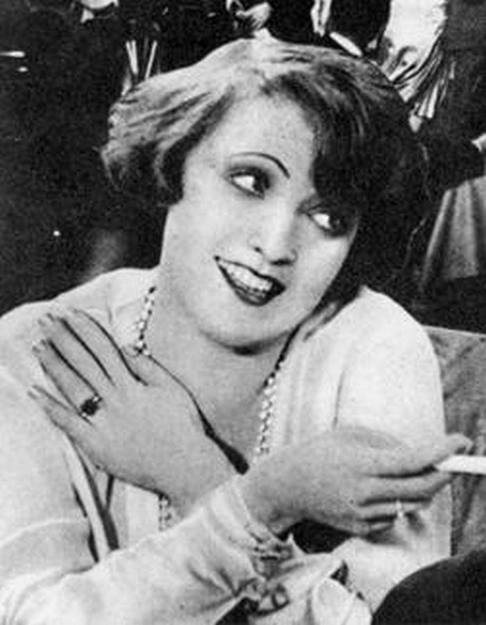 Erni v roce 1927, v milostném dramatu Café Electric