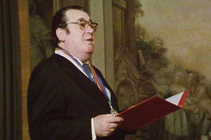 Oddávající v bakalářské povídce Štěstí z roku 1984
