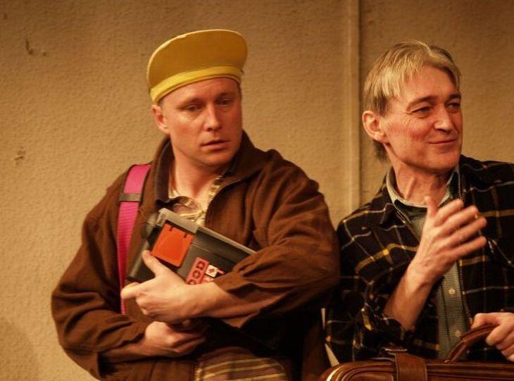 S bratrem Vladimírem v Divadle Kalich, ve hře Chvála bláznovství