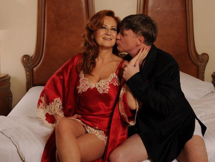 Se Simonou Stašovou v pražském Divadle ABC v hořké komedii Vím, že víš, že vím…