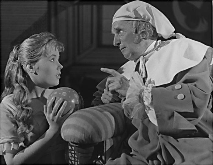 S Františkem Smolíkem v roce 1960 na jevišti Národního divadla, v Molièrově poslední hře Zdravý nemocný