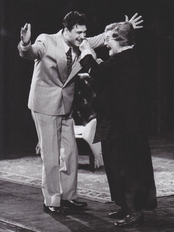 S Petrem Halberstadtem ve své poslední roli paní Eugenie, v komedii Alejandra Casony Stromy umírají vstoje