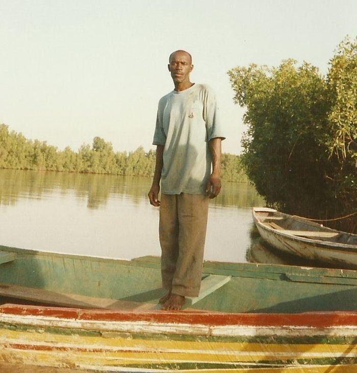 Rybáři v odlehlých oblastech střední Afriky dodnes věří v existenci obrovských tvorů s dlouhými krky