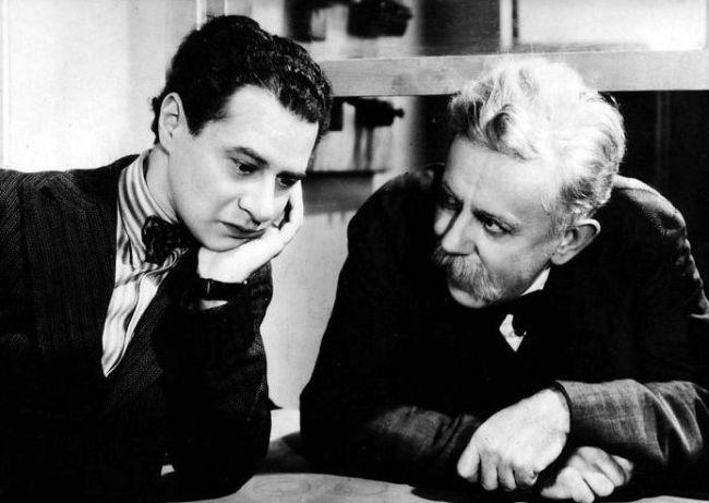 V roce 1939 s Ladislavem Peškem v legendární komedii Cesta do hlubin študákovy duše