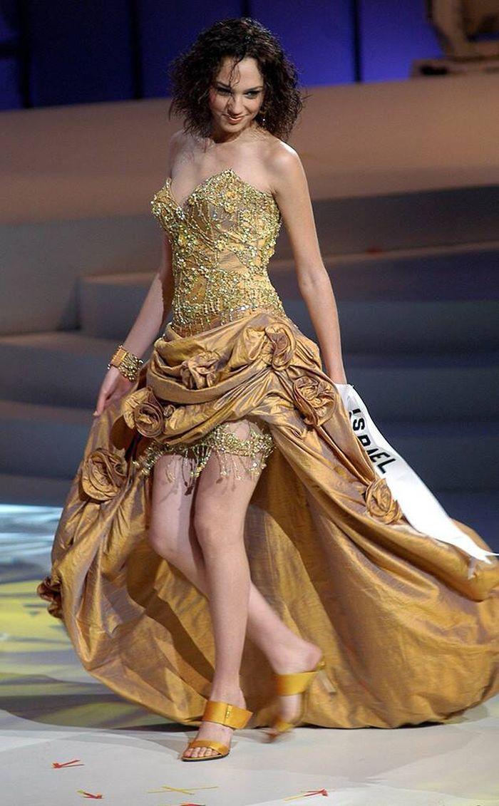 Gadot Miss Universe 2004