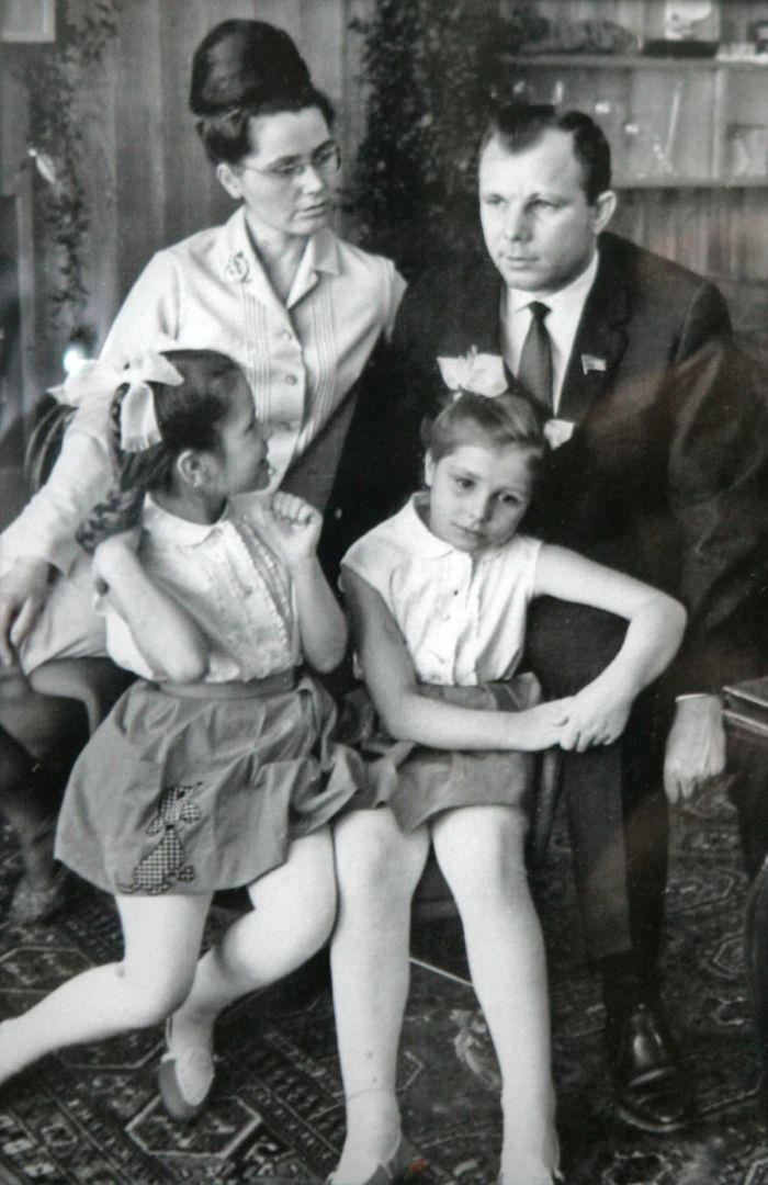 S manželkou Valentinou Ivanovnou a dcerami