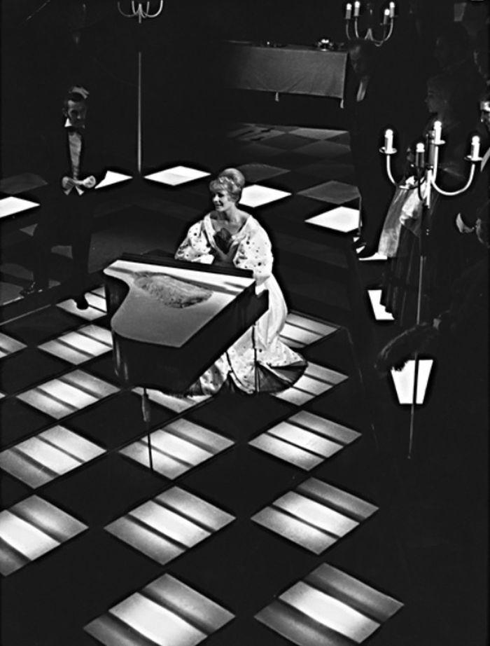 V roce 1964 v pardubickém divadle, v tragédii Michaila J. Lermontova Maškaráda