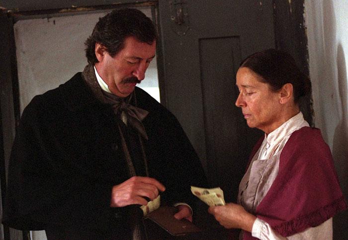 S Bolkem Polívkou ve své poslední roli, v německém životopisném dramatu A tou nocí nevidím ani jedinou hvězdu