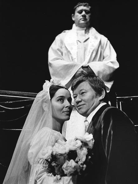 S Václavem Sloupem a Karlem Augustou v Divadle Na Zábradlí, v představení Největší z mušketýrů