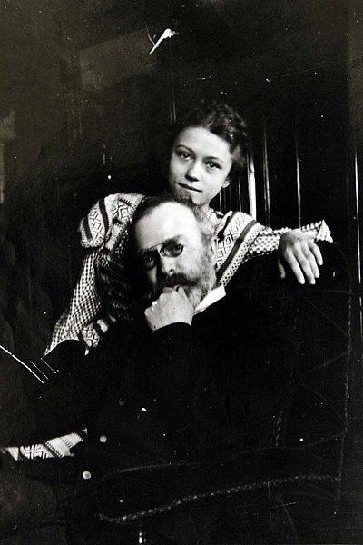 Mladinká Nataša s tatínkem Františkem Xaverem Hodáčem