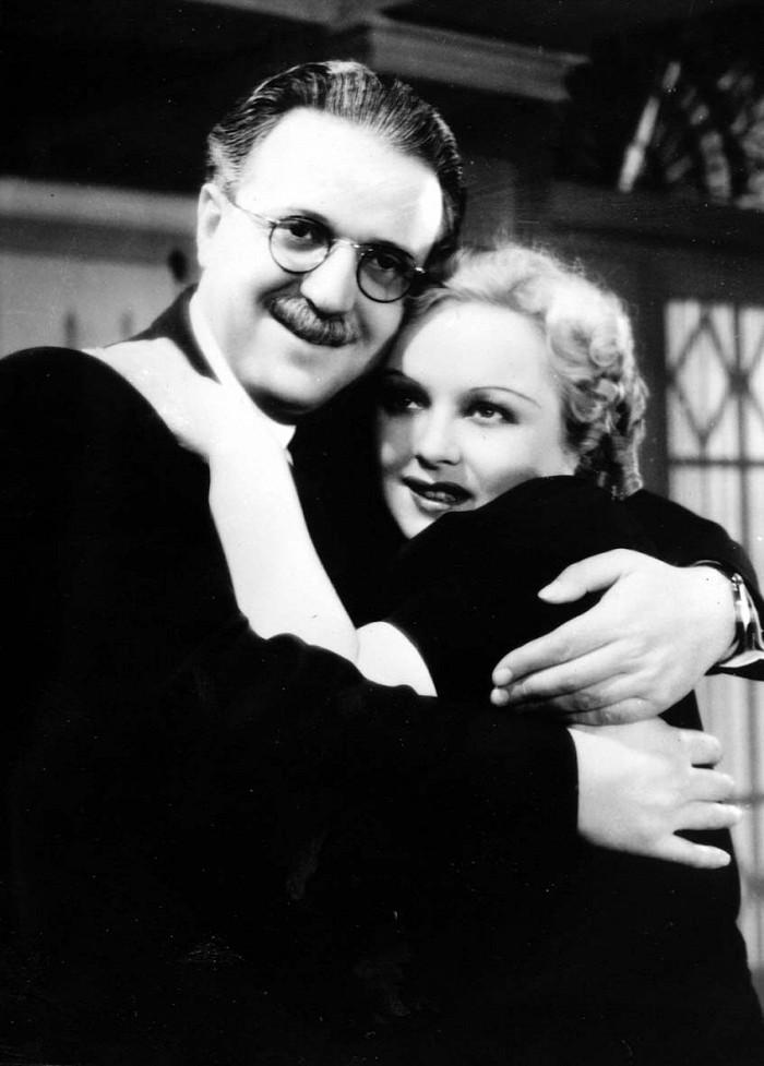 Profesor Antonín Karas a Věra Gregorová (Věra Ferbasová) v komedii Mravnost nade vše