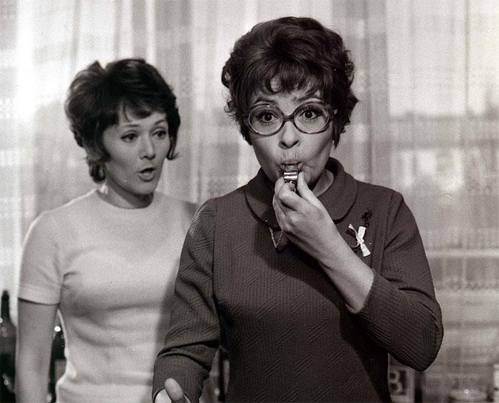 S Jiřinou Bohdalovou v komedii Ženy v ofsajdu