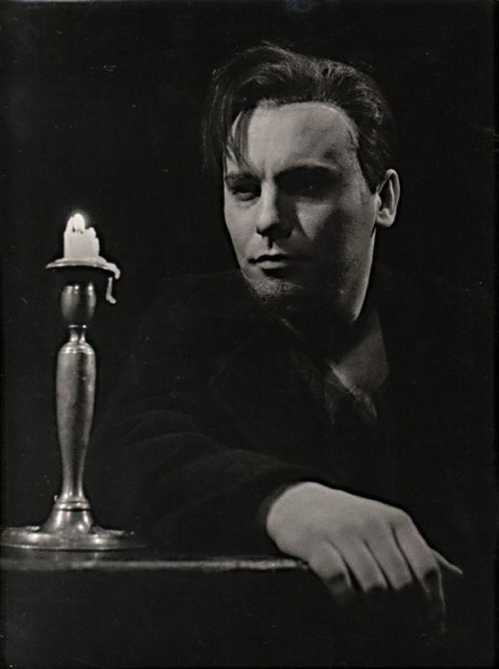 Raskolnikov v roce 1959 v Divadle S. K. Neumanna, v dramatizaci románu F. M. Dostojevského Zločin a trest