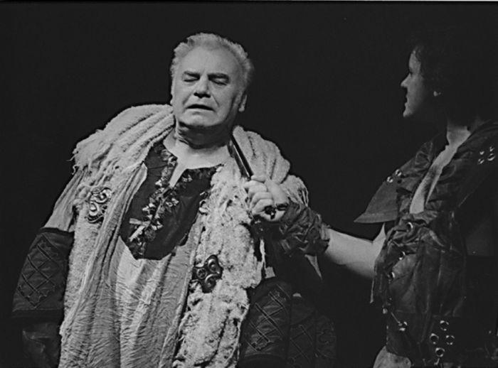 V roce 1990 v Divadle na Vinohradech, ve hře Františka Hrubína Oldřich a Božena aneb Krvavé spiknutí v Čechách
