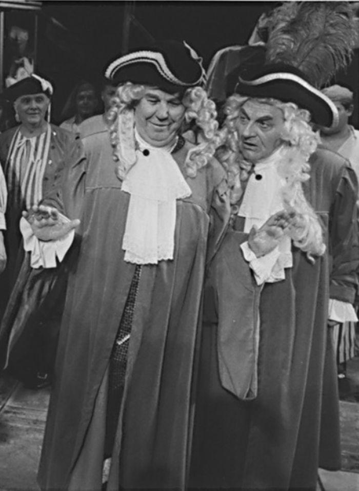 Stefano Barbaruccio (vpravo) v operetě Johanna Strausse ml. Noc v Benátkách