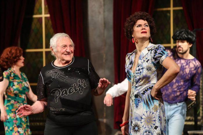 V představení Divadla Radka Brzobohatého Tančírna