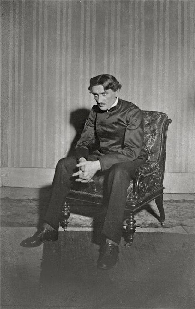 V Národním divadle v říjnu 1912 jako Kozakov v představení Mumrajs