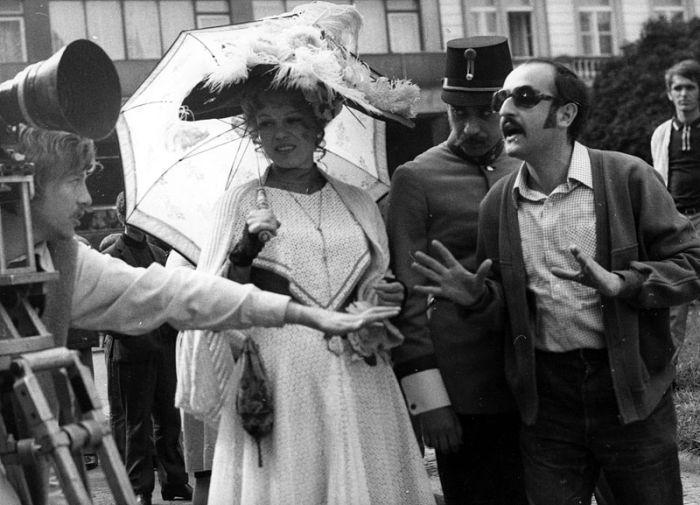 S Ivou Janžurovou při natáčení filmu Petrolejové lampy