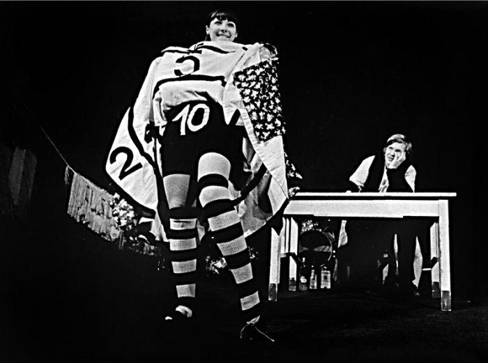 V roce 1977 v divadle Semafor v představení Smutek bláznivých panen