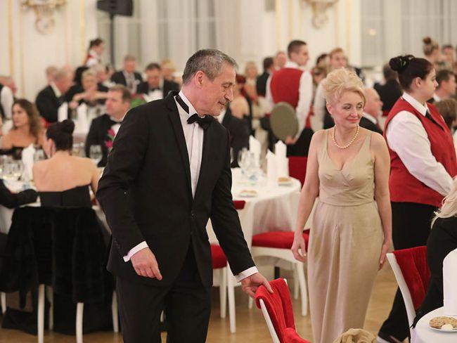 Ministr obrany Martin Stropnický s manželkou Veronikou Žilkovou