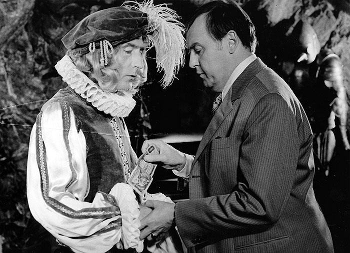 S Lubomírem Lipským v kriminální komedii režiséra Hynka Bočana Muž z Londýna