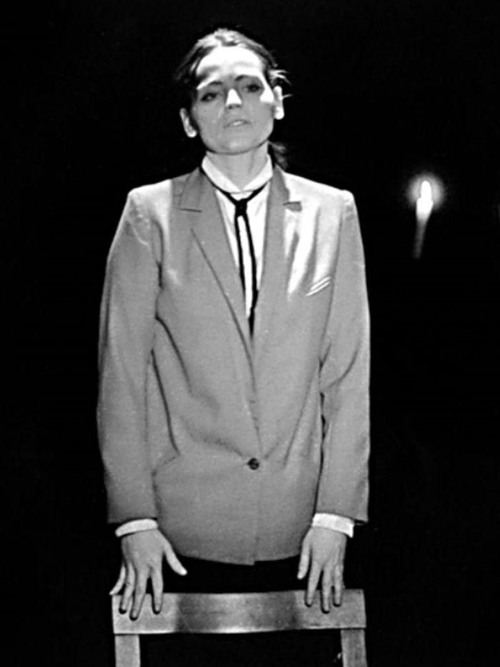 Marja Niranenová v inscenaci hry finského dramatika Arto Seppälä Poslední mejdan – Klub v Řeznické 1985