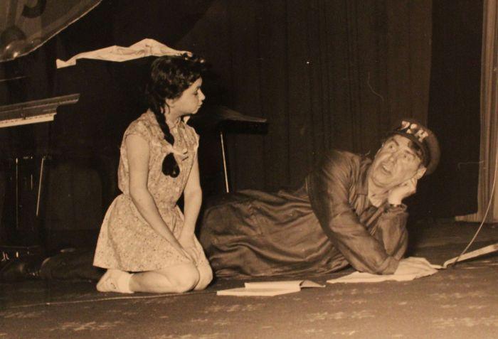 S Emanem Fialou v roce 1955 ve hře Pozor nahráváme
