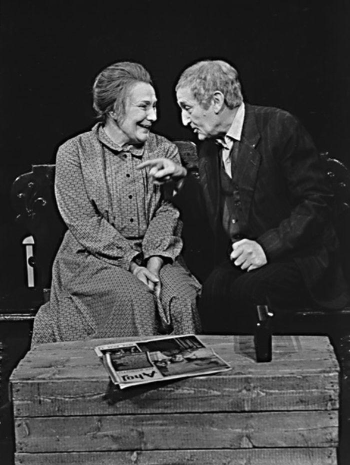 S Jiřinou Štěpničkovou v divadelní hře Květy Třebické Cesta k domovu – Realistické divadlo Praha 1973