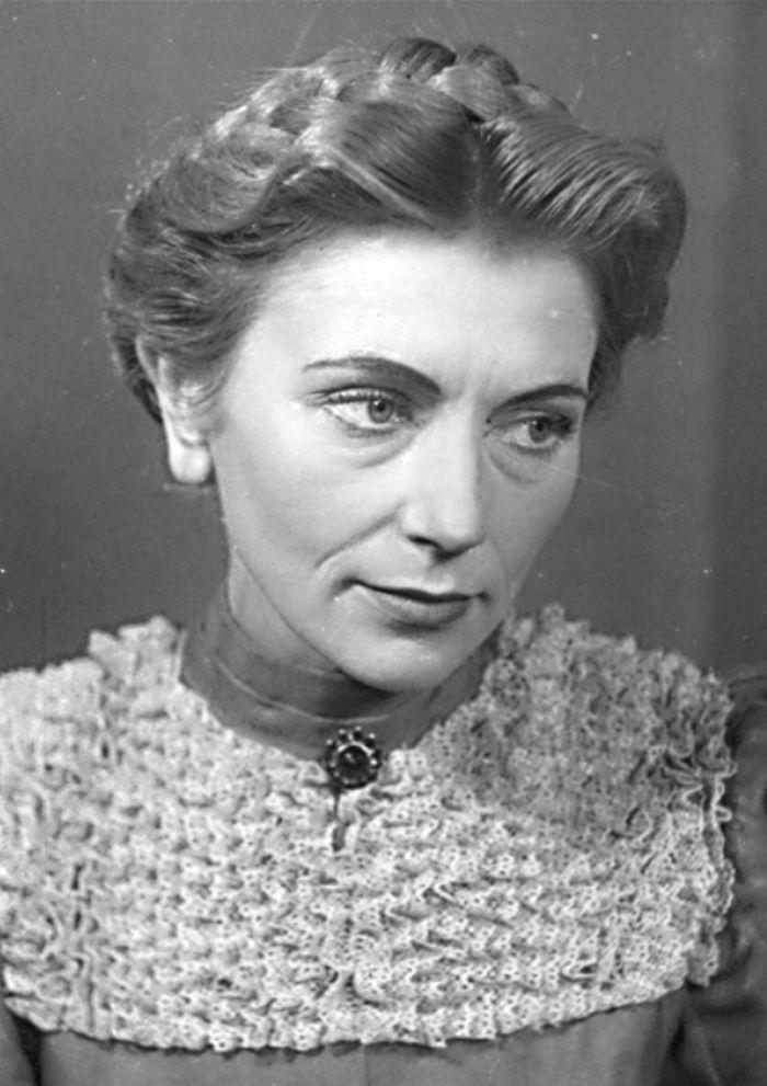 Valérie v inscenaci karlovarského divadla Měšťáci v roce 1952