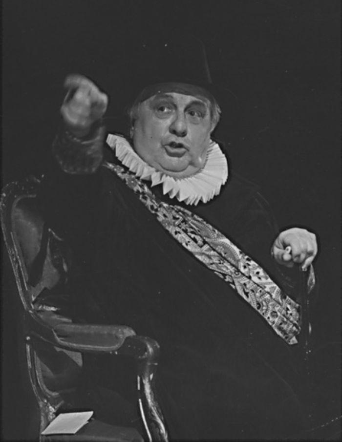 Baron William Cecil v historickém dramatu Friedricha Schillera Marie Stuartovna – Mahenovo divadlo Brno 1993