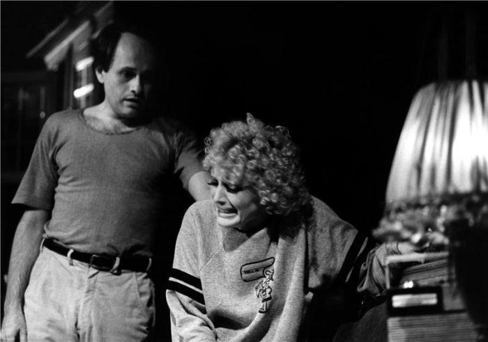Porter a Meg (Regina Rázlová) v hře Beth Henley Zločiny srdce – Národní divadlo 1984