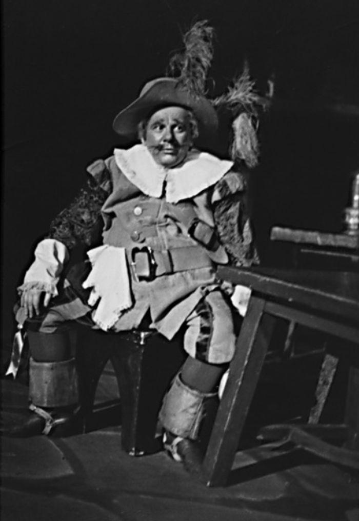 Rytíř Honimír v operetě rakouského skladatele Edmunda Eyslera Zlatá paní mistrová – Státní divadlo Ostrava 1956