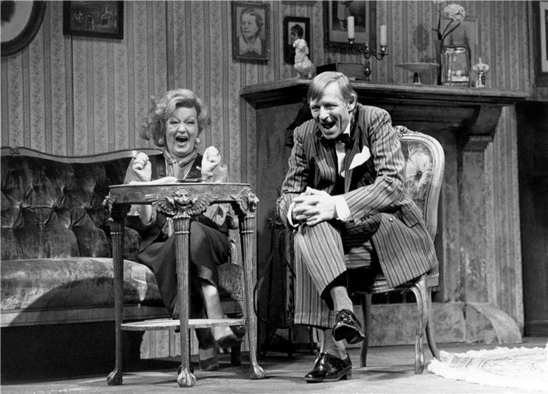 S Blankou Bohdanovou v komedii Georgese Feydeau Leona si pospíšila – Stavovské divadlo 1995