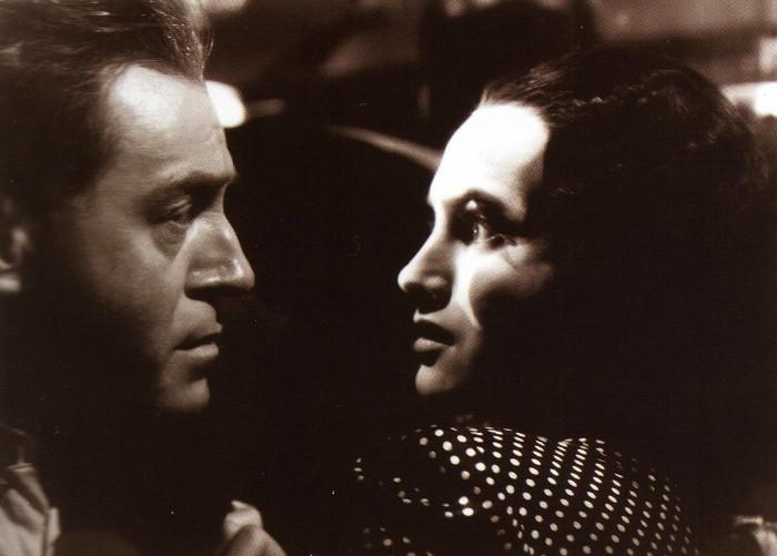 S Adinou mandlovou v dramatu Kouzelný dům – 1939