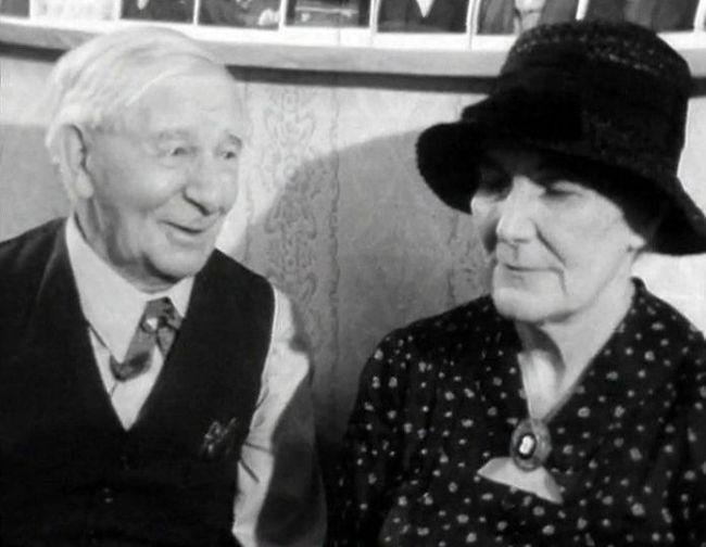 S Jiřinou Štěpničkovou v roce 1977 v televizním dramatu Domov