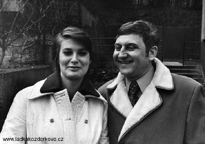 S druhou manželkou Laďkou Kozderkovou