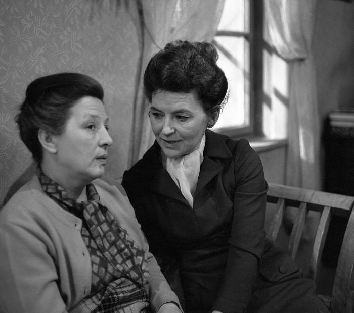 S Danou Medřickou v psychologickém televizním dramatu Věry Jordánové z roku 1972 Křeslo pro gladioly