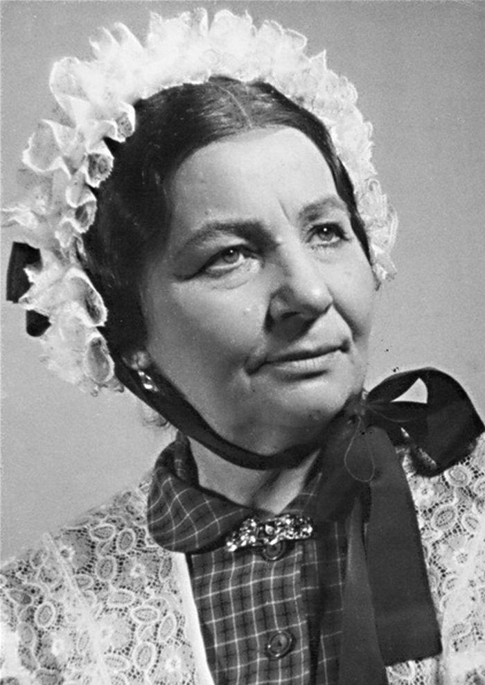 V roce 1954 v Redutě Brno, jako Kateřina Šestáková v klasické divadelní hře J. K. Tyla Paličova dcera