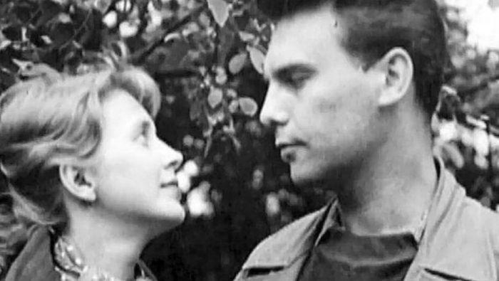 S první láskou a manželem, hercem Petrem Haničincem